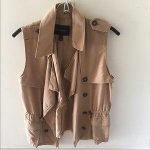 Stylish Banana Republic Safari Vest in Camel.